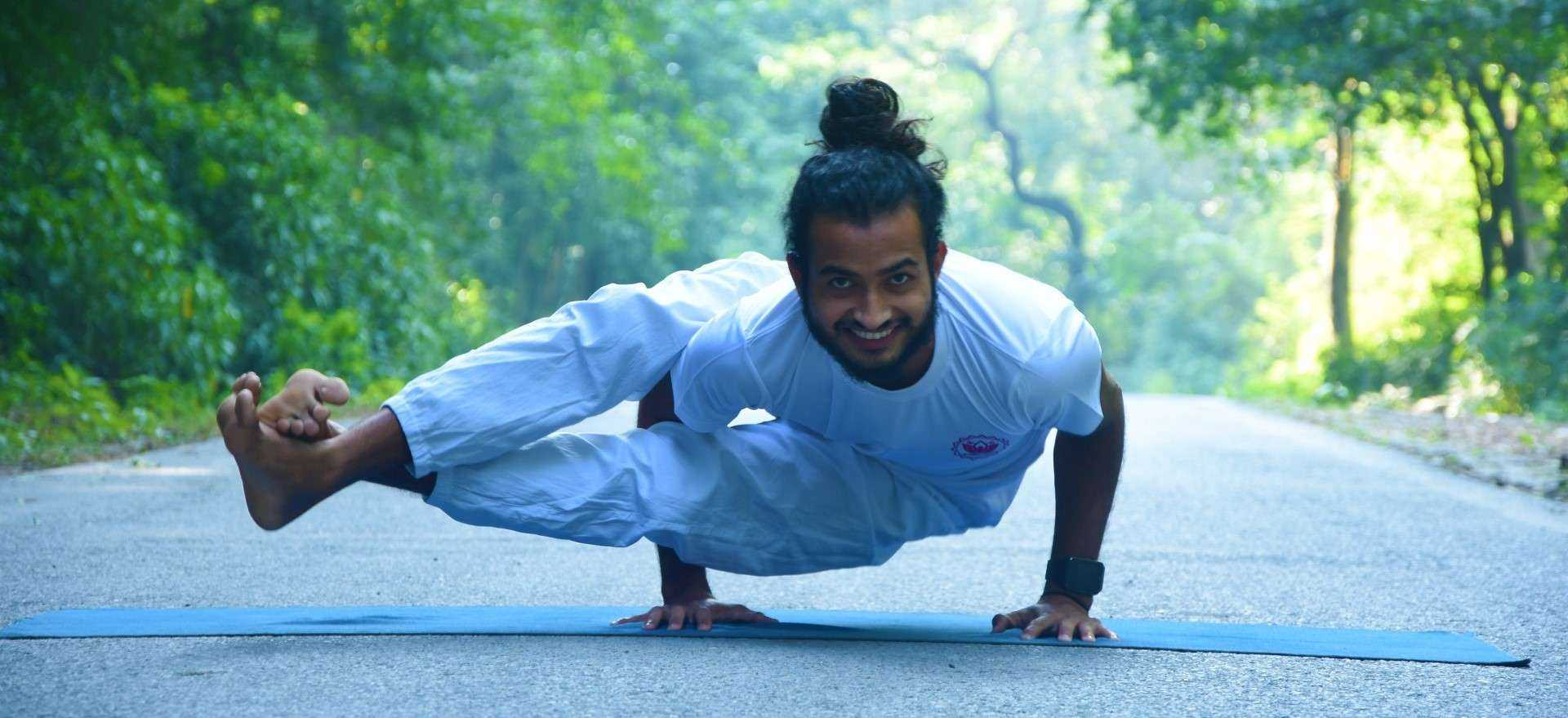 yoga-retreat-in-rishikesh-india